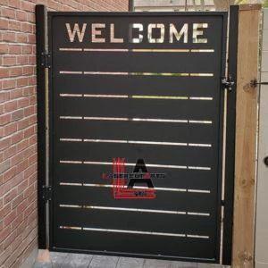 Modern Welcome Stripes Gate